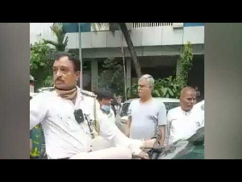 Watch: Mumbai Man Drives Off With Cop On Bonnet To Dodge Traffic Fine