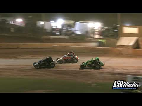 Wingless Sprints: Cracking Finish!! - Archerfield Speedway - dirt track racing video image