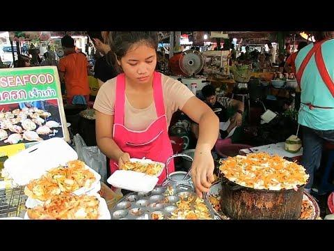 Thai Street Food in Bangkok 2019 - Best Black Crepe and Pad Thai in Thailand