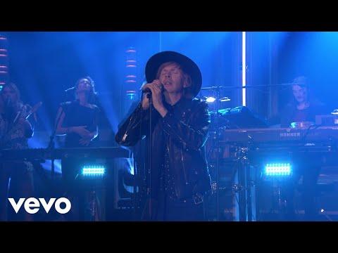 Beck - Up All Night (Live on The Tonight Show) - UCXyrZim8CaYWYzR81FK7Opw