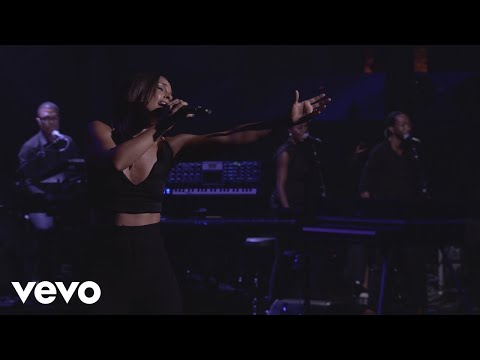 Alicia Keys - No One (Live from iTunes Festival, London, 2012) - UCETZ7r1_8C1DNFDO-7UXwqw