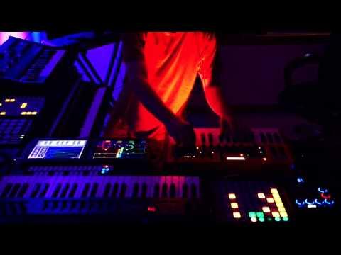 Chill-Out Ambient Music Live Recording 2015 Jam#100 by Rheyne - UCrt9lFSd7y1nPQ-L76qE8MQ