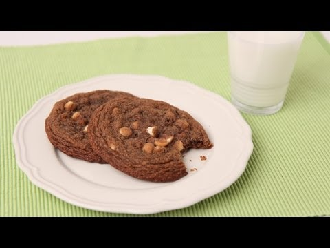 Giant Chocolate White Chocolate Chip Cookies Recipe - Laura Vitale - Laura in the Kitchen Ep 438 - UCNbngWUqL2eqRw12yAwcICg