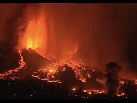 Breaking-Canary Island Volcano destroys 1,000 homes!