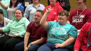 WEB EXTRA: LifeStyles students call the hogs KNWA