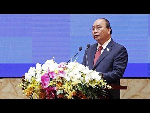 Thủ Tướng CSVN 'nổ' rằng Việt Nam 'mua trên $4 tỉ dự trữ ngoại hối trong Tháng Giêng'