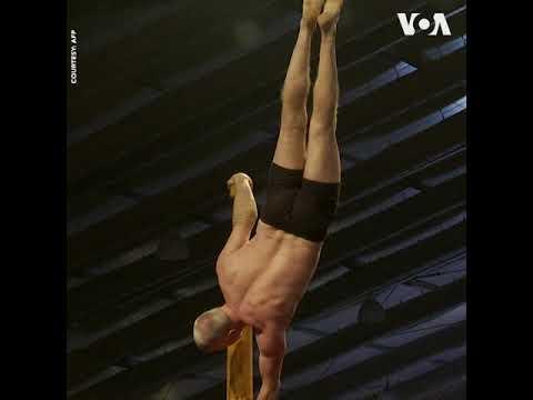 Giải vô địch yoga trên cột ở Ấn Độ (VOA)