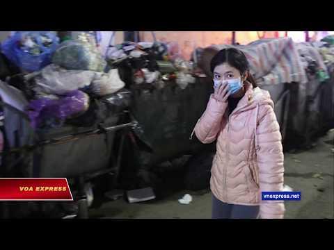 Hà Nội ngập rác vì dân đòi tái định cư khỏi bãi rác Nam Sơn (VOA)