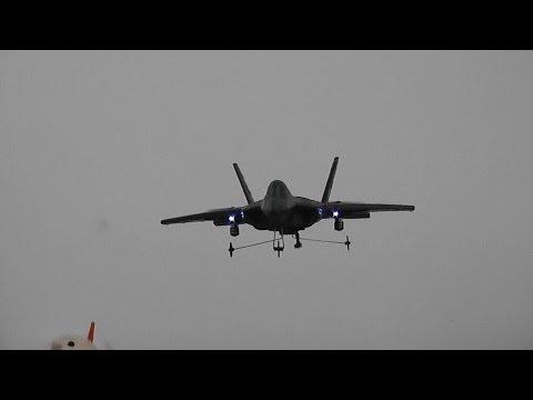 F22 Predator Quad Jump Jet -- Toy Review - UCsFctXdFnbeoKpLefdEloEQ