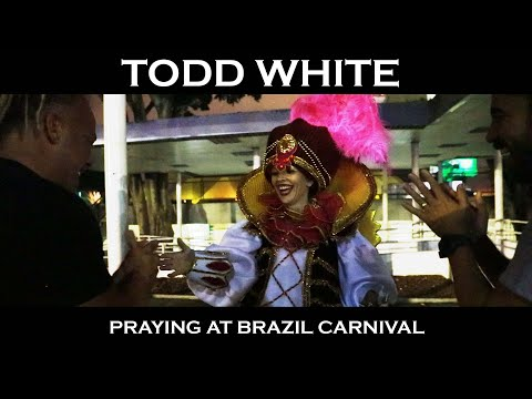 Todd White - Praying at Brazil Carnival (20 minutes Uncut footage)