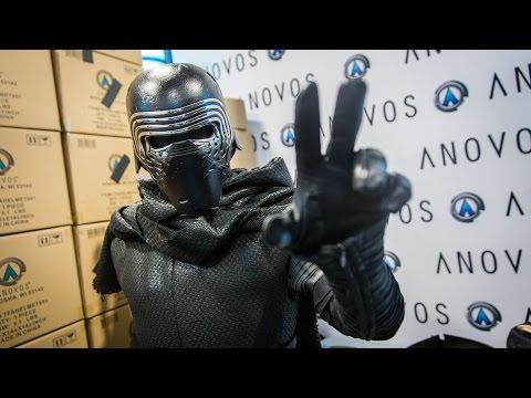 Adam Savage as Kylo Ren Incognito at Comic-Con 2016! - UCiDJtJKMICpb9B1qf7qjEOA