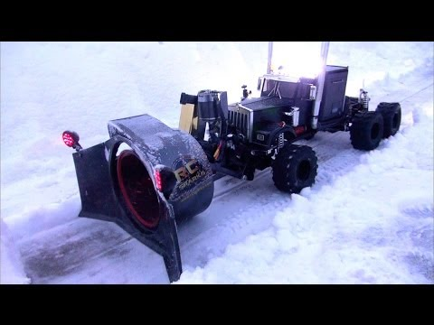 RC ADVENTURES - Rotary Snow Plow / Snow Mover (Test 1 - Night Time) - UCxcjVHL-2o3D6Q9esu05a1Q