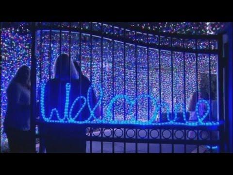 Christmas world record: Australian family rig 502,165 lights