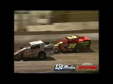 V8 Dirt Modifieds: 2003 Gold Cup - A-Main - Archerfield Speedway - 27.12.2003 - dirt track racing video image