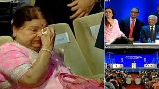 Respect ! Mukesh ambani 's Mom Kokila ben Treated Like GODMOTHER by Reliance Employees |