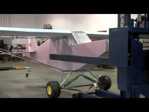 Dünyanın En büyük Köpük Uçakları : Bu adamların başka işi yok mu :)