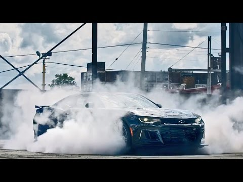 2017 Chevrolet Camaro ZL1 (650-HP) - Burnout
