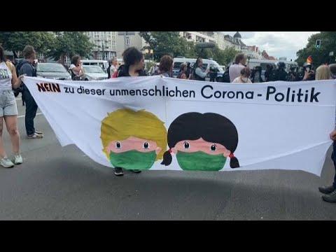 Németország: engedély nélkül tüntettek, összetűztek a rendőrökkel