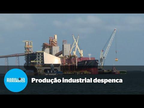 Brasil: produção industrial despenca