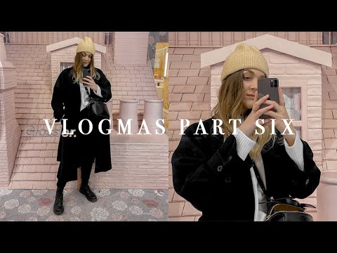 WHAT I WEAR WHEN IT'S RAINING | VLOGMAS PART SIX | I Covet Thee