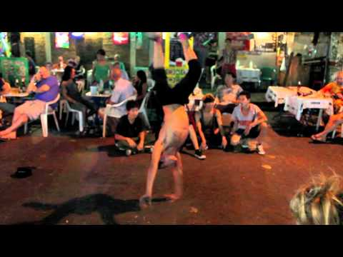 Break Dancing in Bankgok - Bringing The Nightlife To The Streets