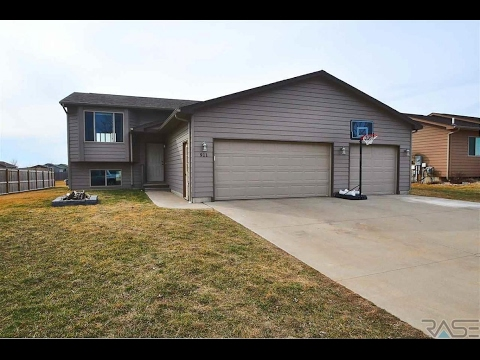 Residential for sale - 911 Woodmont Ave, Harrisburg, SD 57032