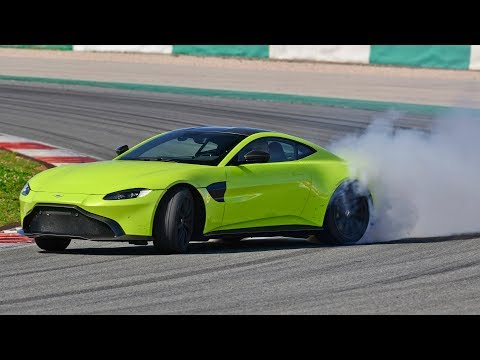 Aston Martin V8 Vantage (2018) Start Up and Drift