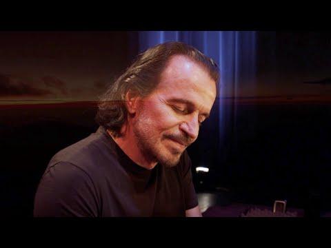 """Yanni - """"A Walk in the Rain"""""""