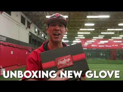 Duke Baxter Unboxing a NEW GLOVE