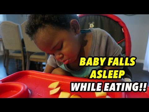 BABY FALLS ASLEEP WHILE EATING!!