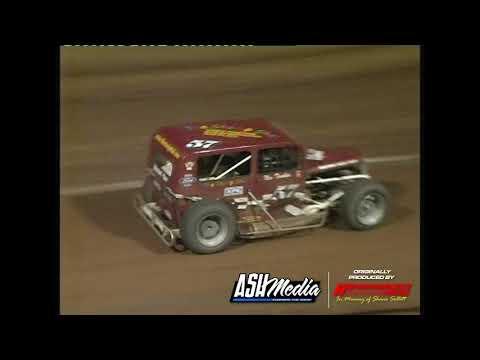 Dwarf Cars: A-Main - Maryborough Speedway - 30.12.2006 - dirt track racing video image