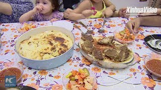 Egyptians enjoy traditional food