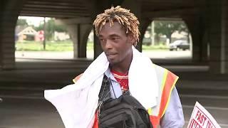 Viral sign earns homeless man 100s of job offers