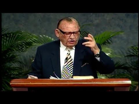 Lester Sumrall on Pioneers of Faith (1996)