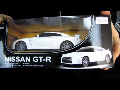 Nissan GT-R Remote Control Car Unboxing & Test Drive Linus Tech Tips - UCXuqSBlHAE6Xw-yeJA0Tunw