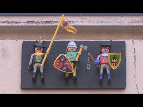 El casco histórico de Valencia aparece lleno de «clicks» de Playmobil