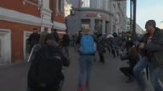 Moscow election protest attracts huge crowd