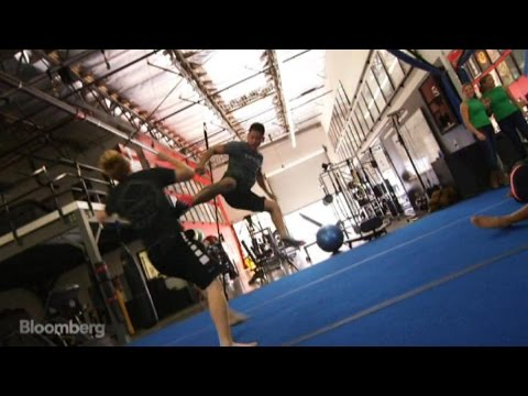 Meet Brad Pitt's Double and His Action-Movie Stunt Secrets - UCUMZ7gohGI9HcU9VNsr2FJQ