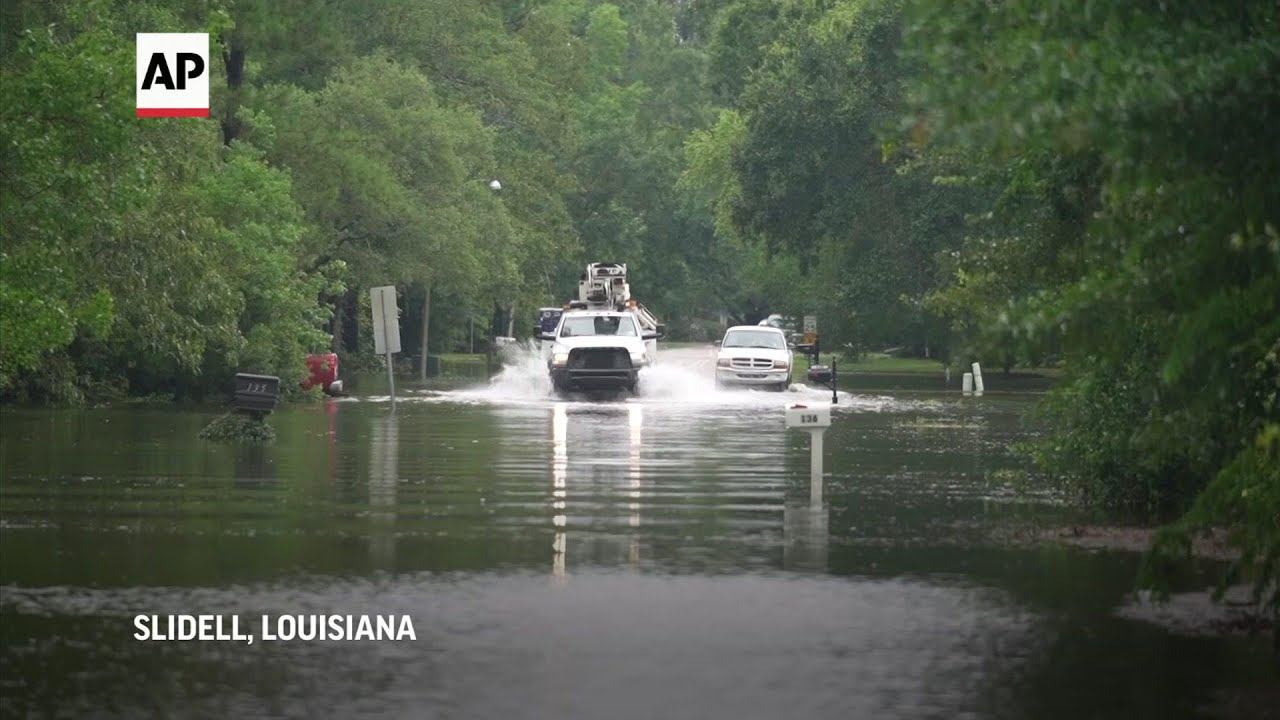 Tropical storm brings rain, floods to Gulf Coast