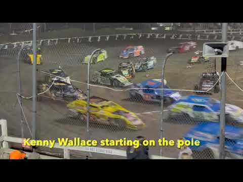 The best little bullring in the country? Macon Speedway…real good racin'. - dirt track racing video image