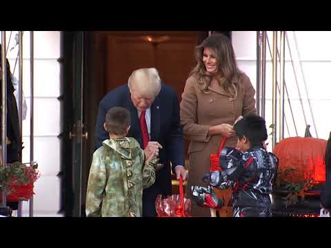 Trump and first lady welcome dinosaur, skeletons on Halloween eve - UCSc5QwDdWvPL-j0juK06pQw