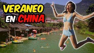 VERANO EN LA CHINA RURAL: CON BIKINI Y A LO LOCO