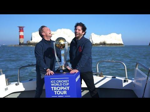 Graeme Swann & Felix White take the #CWCTrophyTour to the Isle of Wight!