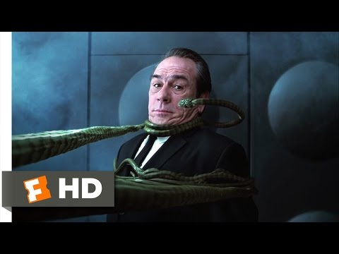 Men in Black II - Someone I Need to Eat Scene (7/10) | Movieclips - UC3gNmTGu-TTbFPpfSs5kNkg