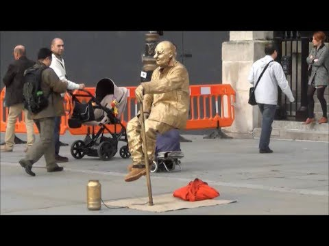 The Floating and Levitating Man.  TRICK REVEALED (step-by-step) ! - UCdNO3SSyxVGqW-xKmIVv9pQ