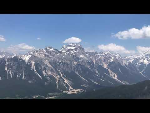 In elicottero su Cortina