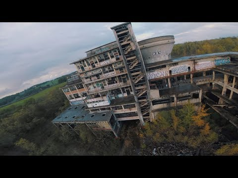 Drone racing footage of abandoned coal factory - UCsWG9ANbrmgR0z-eFk_A3YQ