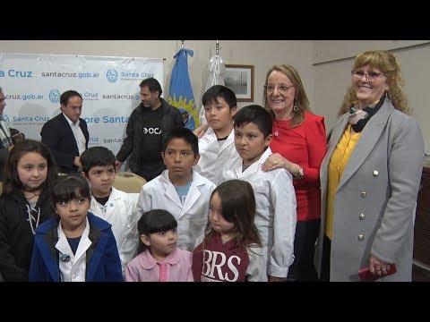 """Alicia: """"Este es un reconocimiento para las escuelas rurales santacruceñas"""""""