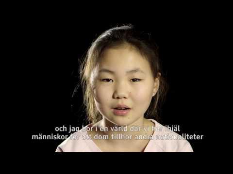 """Barn läser Emil Jensens dikt """"Samma Värld"""""""