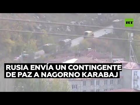 Vehículos militares rusos se dirigen a Nagorno Karabaj tras el acuerdo de paz